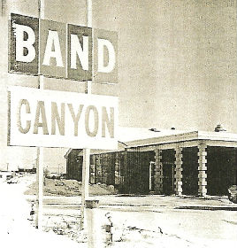 Band Canyon front view
